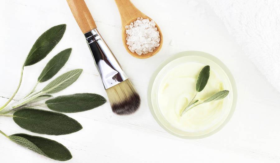 Natürliche Schönheitsprodukte für gesunde, leuchtende Haut